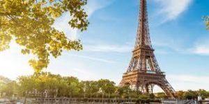 Image from the first LDR Story. The Eiffel Tower, which represents France, Leo's country, who is in a long distance relationship
